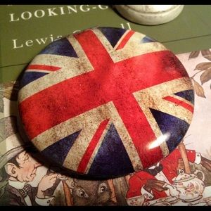 NWT UNION JACK COMPACT double mirror looking glass